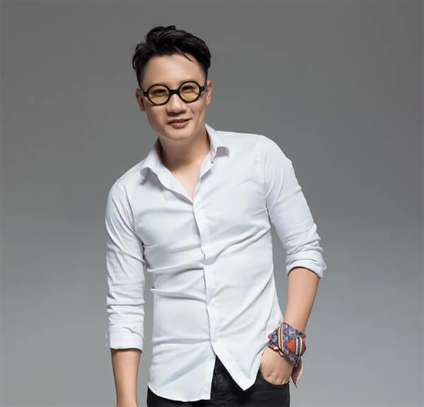 Nhạc sĩ Hoàng Bách cho rằng cuộc đời đã chọn ai làm ngôi sao thì có tránh cũng không được và Hoài Lâm chính là một ví dụ điển hình.