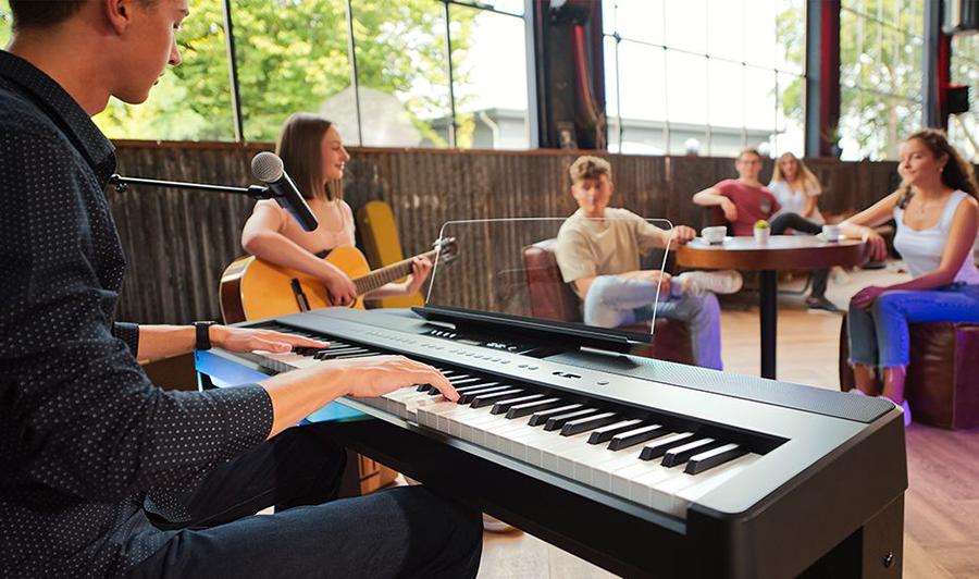 hình ảnh đàn piano kawai es920 tại music city
